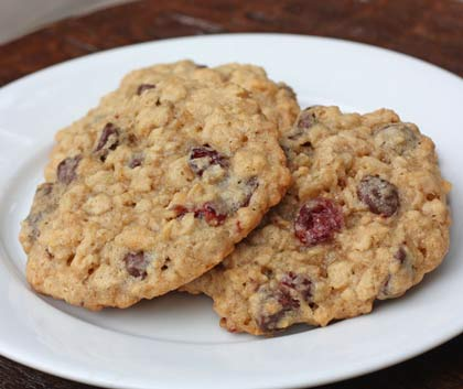 oatmeal-cookies-saucer-size